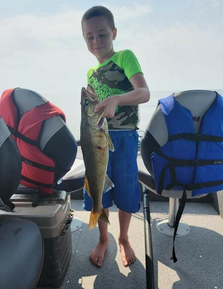 Ricky 26 inch Walleye